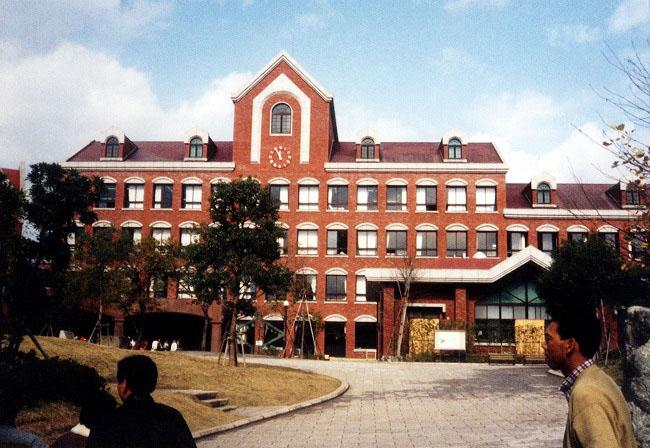 山里小学校校庭
