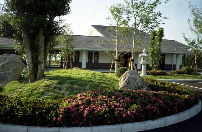 南高北部斎場庭園